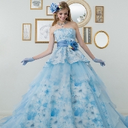ドレス:ブライダルコレクション オズ
