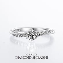 銀座ダイヤモンドシライシ_星の輝きをかたどったデザイン【スターリー】