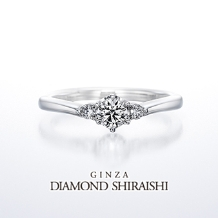銀座ダイヤモンドシライシ:可憐な花が集まっている様子を、メレダイヤで表現【スマイリング ジャスミン】