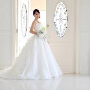 コッツウォルズ(Bridal On Water COTSWOLDS):【新作&人気ドレス】プレ花嫁必見!ドレス試着体験