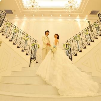 コッツウォルズ(Bridal On Water COTSWOLDS):【憧れの両階段から入場】プリンセス体験×演出体験