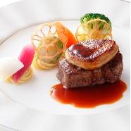 ウェスティンホテル東京:【国産牛フィレ試食】じっくり相談&馬車体験も★