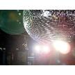 CafeBar Funky ~ 新横浜 結婚式 二次会 ~:店内をゴージャスに照らすミラーボール