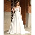 Mai BRIDE(マイ ブライド):クレープサテンが上品なエンパイアラインのウェディングドレス