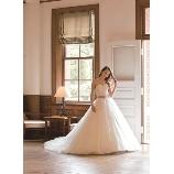 Mai BRIDE(マイ ブライド):ビッグボリュームのチュールのスカートのウェディングドレス