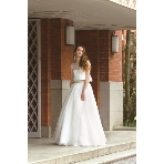 Mai BRIDE(マイブライド):トレンドのセパレートウェディングドレス