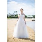Mai BRIDE(マイブライド):たるん袖で可愛らしく。ラメチュールがキラキラ輝く白ドレス