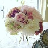 Bouquet DECO:32,400円[通常の半額!]「生花みたい」と大人気なダリアのクラッチブーケ!