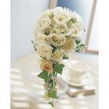 Bouquet DECO:29,160円【通常の半額!】「ホテル挙式の方に人気☆」DECO白バラのブーケ