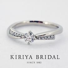 KIRIYA BRIDAL (宝石の桐屋)_さり気なくリボンをイメージする新作エンゲージリング(FAVORI)