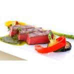 GARDEN CITY CLUB OSAKA:とーっても柔らかいお肉は、一口食べるとゲストの笑顔も自然にごぼれます!