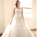 ブライダルコスチューム みつもと:【JILL STUART】立体的な刺繍と花びらを散りばめたロマンティックドレス