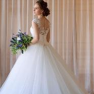 ドレス:Cinderella & Co.