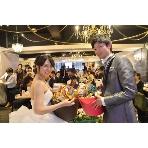ダイニングスペース WEDDING HALL 名駅店:ウェディングホール名物のお菓子まき!