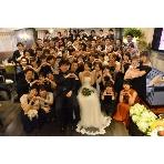 ダイニングスペース WEDDING HALL 名駅店:全員で記念撮影もバッチリ★