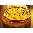UNICO 西梅田:直径1mの特大パエリアです人気急上昇オプション!!!ビュッフェに並べるだけでもインパクト大パエリアバイトも可能!演出の相談可能。又、披露宴<1次会>と料理がかぶらないスペイン料理が人気。