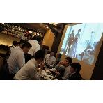 DINING&BAR Sofa(ソファー):大型スクリーン100インチが2台 同時スクリーンです!!
