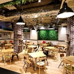 Leaf Garden Cafe(リーフガーデンカフェ):渋谷駅より徒歩5分♪明治神宮前駅、原宿駅からも行きやすいです!!また、二次会帰りのゲスト様の交通の便も良い為、お披露目パーティでも大人気☆