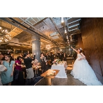 W CAFE 心斎橋(ダブリューカフェ):着席130名可能!大人数も余裕の広さです。