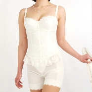 ドレス:ブライダルインナーサロン Desil館(デジール)