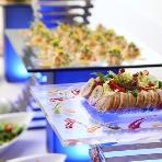 Alice aqua garden 品川:青を基調とした装飾と、ゲストが喜ぶ料理の数々