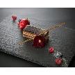 Alice aqua garden 品川:季節のフルーツのビターテーストのチョコレートケーキ