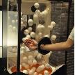 CORONA(コローナ):ビンゴゲームや抽選にお使いください。宙を舞っているボールや三角くじを掴んで!!盛り上げること間違いなし