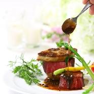 En WEDDING:【週末3組限定】A5黒毛和牛×オマール海老食べ比べフェア