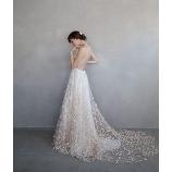 B.DRESSER(ビー・ドレッセ)●BRASS(ブラス)グループ:【Alexandra Grecco】立体的な刺繍と繊細なレースが魅力的なドレス