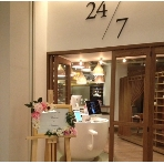 24/7 restaurant:ウェルカムボード立てもお貸し出ししております。