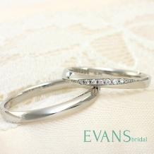 EVANS BRIDAL_細身のリングにピンクダイヤのワンポイントが可愛らしい【EVANS】