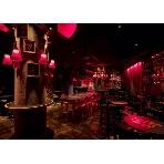 ZAKURO(ザクロ):パリのサロンをイメージした重厚な雰囲気。