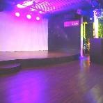 二次会貸切パーティ imri(イミリ) 名古屋 栄:常設ステージ完備!各種演出は勿論、バンドや余興も際立ちます☆