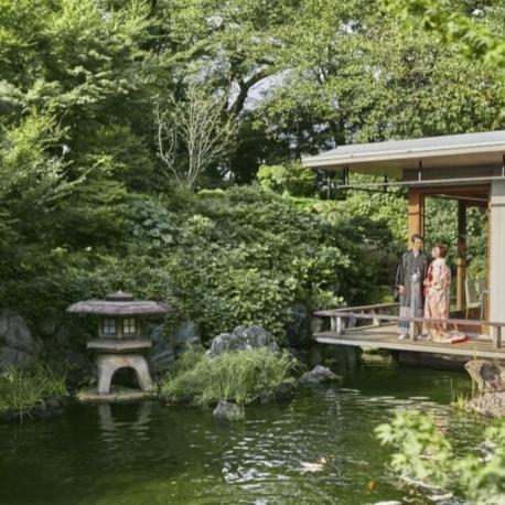 国際文化会館(International House of Japan):【歴史ある日本庭園と名建築を貸切に】ドレスも和装も叶う結婚式