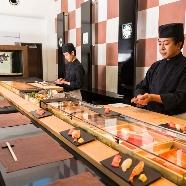T'SUKI sur la mer(ツキ シュール ラ メール):【ゲストに大好評!寿司ライブバー】おもてなし料理&演出体験