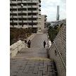 DEPARTURES【デパーチャーズ】:そのまま進むと、右手に下り階段があるので、1階まで降りて下さい。