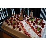 先斗町 みます屋ITALIANO:当日のご要望で即興でお作りしたウエディングケーキです!バージンロードを進むお二人に写メの嵐でした。