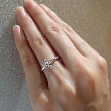 DIYARTH(ディヤース):ダイヤのシェイプが個性的なおしゃれリング(マーキースカットには鑑定書付き)