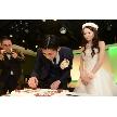 J-SQUARE:ケーキカット!の前に二人でケーキにチョコペンでサイン♪