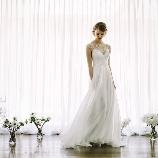 la chambre de Lotta(ラ シャンブル デ ロッタ):上品な光沢あるシルクドレス■流行りのバックシャンでスタイリッシュに!