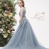 la chambre de Lotta(ラ シャンブル デ ロッタ):トレンドのグレイッシュブルー■カラードレスに悩む花嫁にオススメの1着!