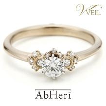 VEIL(ヴェール)_【VEIL】アベリ/ダイヤが留められている様子は、たわわに実る果実をイメージ