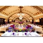 Chandelier Table(シャンデリアテーブル):旧コンコースのシャンデリアを移設!アーチ型天井を再現したメインホール!