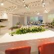 Wedding space hanami 表参道:高砂からの距離感を感じさせないフロア