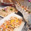 Wedding space hanami 表参道:豪華なお料理で会を一段とグレードアップ