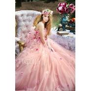 ドレス:TIGLILY