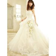 ドレス:SweetBride