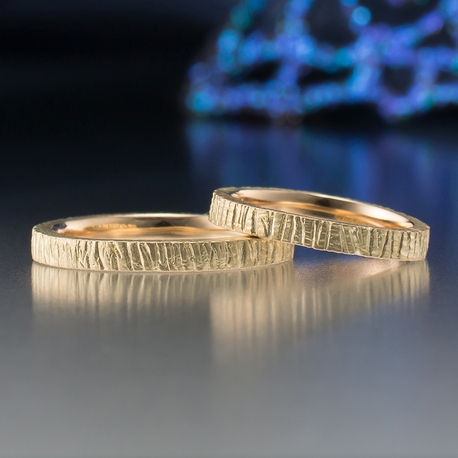 結婚指輪手作り.com:結婚指輪手作り.com(縦にツチ目模様が入った手作り結婚指輪)