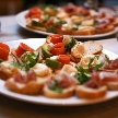 Anchor Point(アンカーポイント):お勧め食材を使用したカナッペ(サーモンとアボカド、プロシュート生ハム、クリームチーズとくるみ、フォアグラのパテなど)