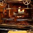 Anchor Point(アンカーポイント):2種類の薪で焼き上げる大きなグリル。ここで焼き上げる米国さんプライム牛は極上です!